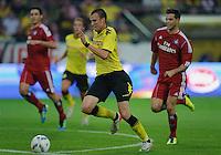 Fussball Bundesliga Saison 2011/2012 1. Spieltag Borussia Dortmund - Hamburger SV V.l.: Kevin GROSSKREUTZ (BVB), Dennis DIEKMEIER (HSV).