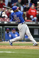 03 April 2006: Chicago Cubs' Derrek Lee bats against the Cincinnati Red's during the Reds' home opener at Great American Ballpark in Cincinnati, Ohio.<br />