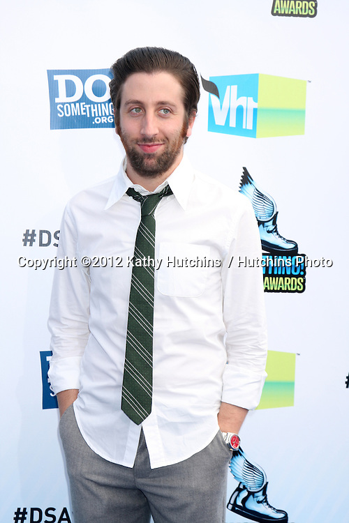 Los Angeles - AUG 19:  Simon Helberg arrives at the 2012 Do Something Awards at Barker Hanger on August 19, 2012 in Santa Monica, CA