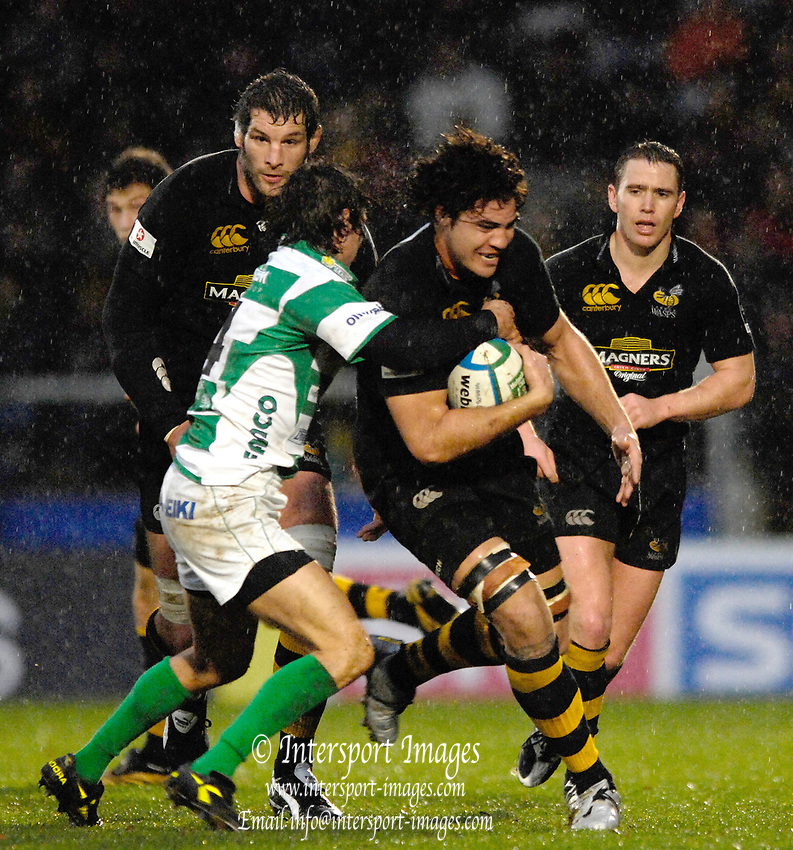 Wycombe, GREAT BRITAIN, Daniel LEO,  during the third round Heineken Cup game, London Wasps vs  Benetton Treviso. at the Adams Stadium, Wycombe, ENGLAND, Sun  10.12.2006. [Photo Peter Spurrier/Intersport Images]..
