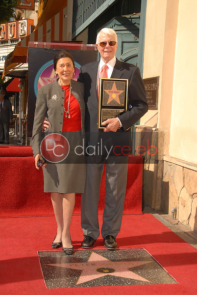 Peter Graves and wife Joan Endress<br /> at the Hollywood Walk of Fame induction ceremony for Peter Graves, Hollywood, CA. 10-30-09<br /> David Edwards/Dailyceleb.com 818-249-4998