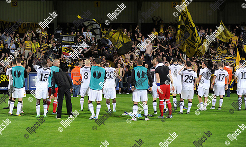 2011-08-04 / Voetbal / season 2011-2012 / Uefa Europa League, third qualifying round / KVC Westerlo - BSC Young Boys / Young Boys fans and players celebrate..Foto: mpics