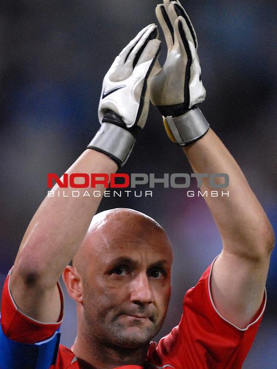 FIFA WM 2006 -  Gruppe G Vorrunde ( Group G )<br /> Play     #45 (23-Jun) - Togo vs Frankreich<br /> <br /> Fabien Barthez (FRA)<br /> <br /> Foto &copy; nordphoto