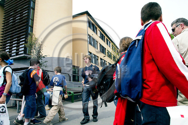BRUSSELS - BELGIUM - 26 APRIL 2004--Pupils at the European School in Woluwe-- PHOTO: ERIK LUNTANG / EUP-IMAGES