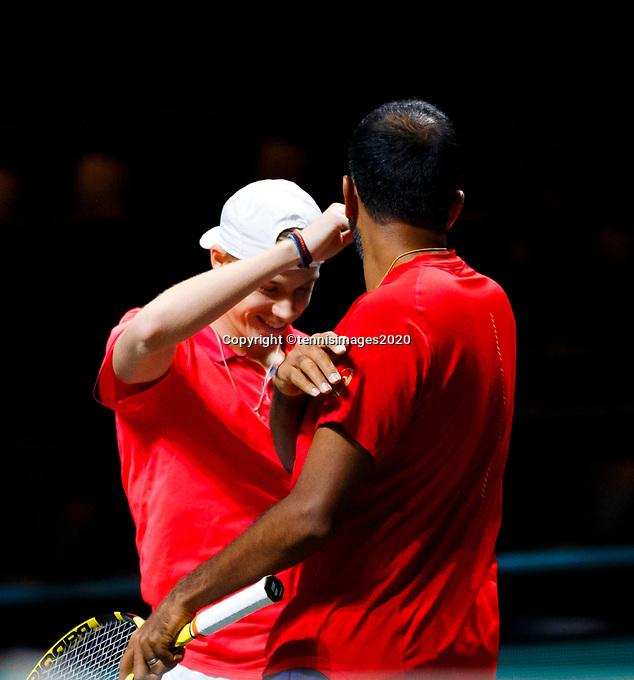 Rotterdam, The Netherlands, 9 Februari 2020, ABNAMRO World Tennis Tournament, Ahoy, Doubles: Denis Shapovalov (CAN) and Rohan Bopanna (IND) celebrate their win. Photo: www.tennisimages.com
