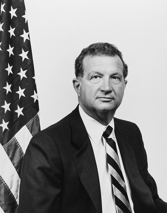 Rep. Robert J. Lagomarsino, R-Calif. on Aug. 17, 1983. (Photo by CQ Roll Call)