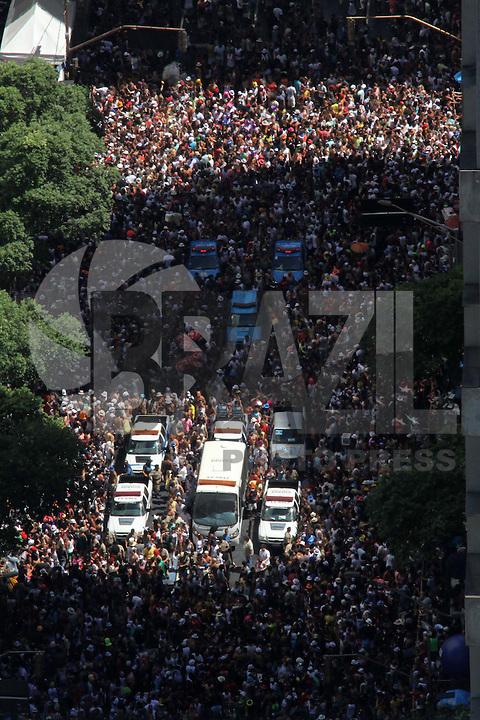 RIO DE JANEIRO,18 DE FEVEREIRO DE 2012- Desfile  do Bloco Cordão  do Bola  Preta , pelas  rua  do centro do RJ.<br /> Foto: Guto Maia / Brazil Photo Press