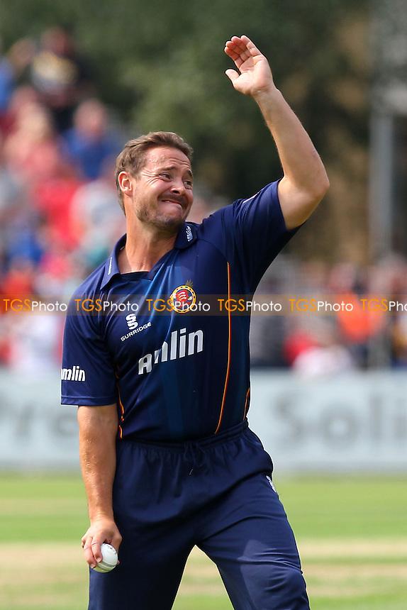 Graham Napier of Essex prepares to bowl - Essex Eagles vs Kent Spitfires - NatWest T20 Blast Cricket at Castle Park, Colchester, Essex - 12/07/14 - MANDATORY CREDIT: Gavin Ellis/TGSPHOTO - Self billing applies where appropriate - contact@tgsphoto.co.uk - NO UNPAID USE