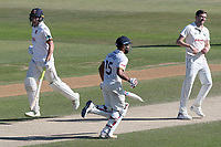 Daniel Lawrence and Ravi Bopara add to the Essex total during Essex CCC vs Nottinghamshire CCC, Specsavers County Championship Division 1 Cricket at The Cloudfm County Ground on 22nd June 2018