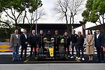 11.04.2019, Shanghai Audi International Circuit, Shanghai, 2019 FORMULA 1 HEINEKEN CHINESE GRAND PRIX<br /> im Bild<br />Nico H&uuml;lkenberg (GER#27), Renault F1 Team mit seinem Helm gehalten im Uralt-Design, so auch Daniel Ricciardo (AUS#3), Renault F1 Team<br /> <br /><br /> <br /> Foto &copy; nordphoto / Bratic
