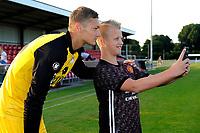 SCHOONEBEEK - Voetbal, SVV 04 - FC Emmen, voorbereiding seizoen 2018-2019, 06-07-2018,   FC Emmen doelman Kjell Scherpen poseert voor een selfie van een fan