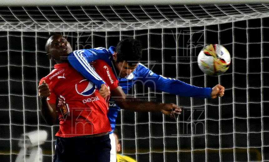 BOGOTA - COLOMBIA - 20-11-2016: Pedro Franco (Der.) jugador de Millonarios disputa el balon con Juan Caicedo (Izq.), durante partido de la fecha 20 entre Millonarios y Deportivo Independiente Medellin de la Liga Aguila II-2016, jugado en el estadio Nemesio Camacho El Campin de la ciudad de Bogota.  / Pedro Franco (R) player of Millonarios vies for the ball with con Juan Caicedo (L) player of Deportivo Independiente Medellin, during a match between Millonarios and Deportivo Independiente Medellin,  for the date 20 of the Liga Aguila II-2016 at the Nemesio Camacho El Campin Stadium in Bogota city, Photo: VizzorImage / Luis Ramirez / Staff.