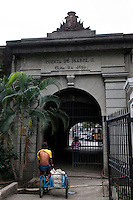Philippines, Manila, 5 march, 2008..Puerta Isabel II in Intramuros the oldest district of the city of Manila...Puerta Isabel II, een oude stadspoort, in Intramuros, het oudste district van Manila, de hoofdstad van de Filippijnen...Photo Kees Metselaar