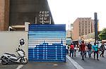Tapume de obras, Avenida Paulista, Sao Paulo. 2018. Foto de Juca Martins.