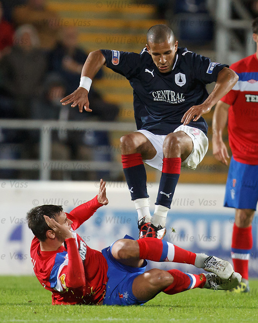 Lee McCulloch slides in on Farid El Allugi