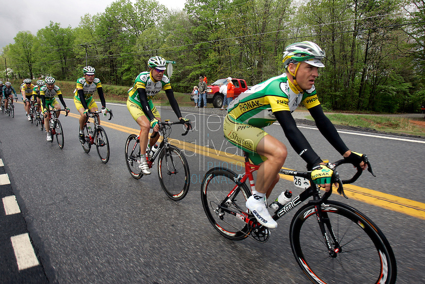 Robbie Hunter rides with his Phonak Hearing Systems squad during Stage 5 of the Ford Tour de Georgia. Tom Danielson, of the Discovery Channel Pro Cycling Team, won the 94.5-mile (152.1-km) stage from Blairsville to the top of Brasstown Bald, the highest point in the state.<br />
