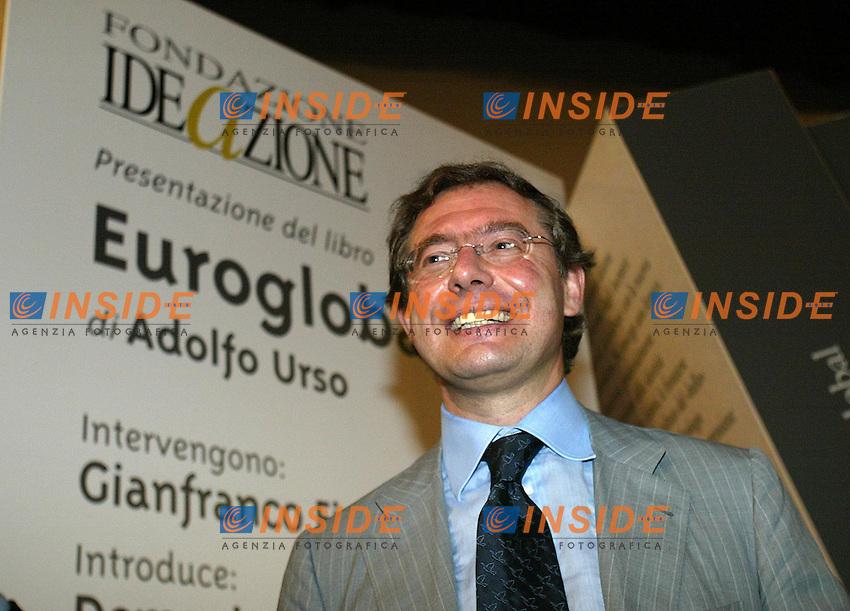 Roma 18 giugno 2003<br /> Presentazione del libro &quot;Euroglobal&quot; di Adolfo Urso.<br /> Nella foto Adolfo Urso.<br /> foto Andrea Staccioli Insidefoto