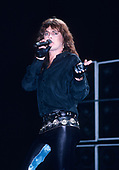 1986: DOKKEN - Under Lock & Key Tour USA