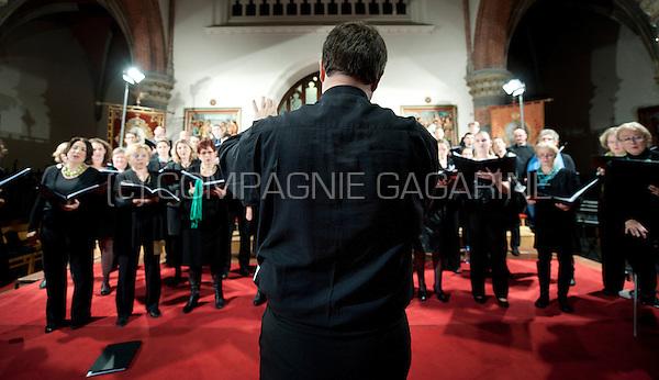 The Koordinaat chambre choir and vocAmuze choir performing the Noorderlicht concert in Burcht (Belgium, 14/11/2015)