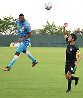 MONTERIA - COLOMBIA, 22-04-2018: Leonardo Escorcia (Izq) jugador de Jaguares FC disputa el balón con Abel Aguilar (Der) jugador de Boyacá Cali durante partido por la fecha 17 de la Liga Águila I 2018 jugado en el estadio Municipal de Montería. / Leonardo Escorcia (L) player of Jaguares FC vies for the ball with Abel Aguilar (R) player of Deportivo Cali during a match for the date 17 of the Liga Aguila I 2018 at the Municipal de Monteria Stadium in Monteria city. Photo: VizzorImage / Andres Felipe Lopez / Cont