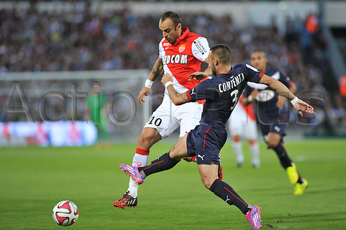 17.08.2014. Bordeaux, France. French League 1 football. Bordeaux versus Monaco.  DIMITAR BERBATOV beats his defender