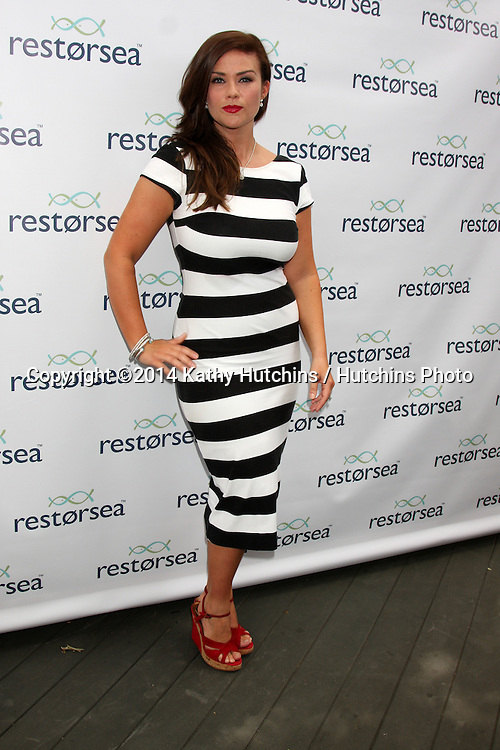 LOS ANGELES - MAY 3:  Susan Ward at the RESTORSEA Gifting of Skin Care Product at NEMO on May 3, 2014 in West Hollywood, CA