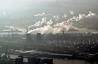 Deutschland, Hamburg, Shell, Raffinerie, Qualm, Staub, Feinstaub