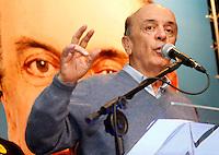 S&Atilde;O PAULO,SP,07 AGOSTO 2012 - SERRA ELEI&Ccedil;&Otilde;ES<br /> O candidato a prefeitura de S&acirc;o Paulo Jos&eacute; Serra esteve na noite de ontem (06) conversando com eleitores no colegioS&atilde;o Miguel Arcanjo na Vila Zelina zona leste de S&atilde;o Paulo.FOTO ALE VIANNA/BRAZIL PHOTO PRESS.