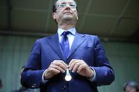 François Hollande, candidat du parti socialiste à la présidentielle 2012 participe à la cérémonie des voeux de la municipalité de Laguenne, Correze, France, vendredi 6 janvier 2012 - 2012©Jean-Claude Coutausse / french-politics.com pour Le Monde