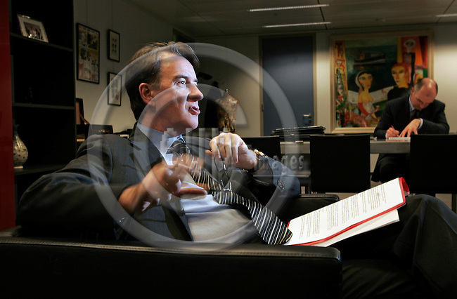 BRUSSELS - BELGIUM - 02 FEBRUARY 2007  -- Peter MANDELSON, EU-Commissioner for Trade, during an interview in his office. --PHOTO: JUHA ROININEN / EUP-IMAGES.-- TA --