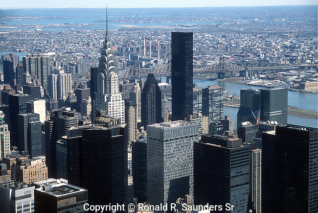 NEW YORK CITY SKYLINE INCLUDING CHRYSLER BUILDING