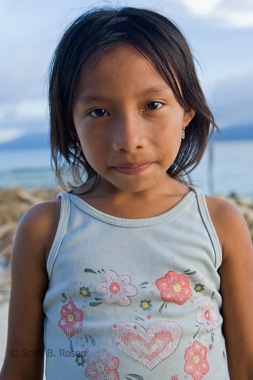 Portrait of a young Kuna child, Isla Pelikano, San Blas Islands, Kuna Yala, Panama