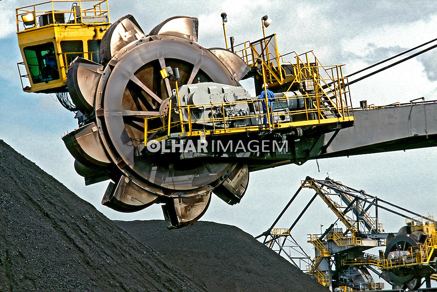 Mineração de carvão em Cartagena. Colombia. 2001. Foto de Ricardo Azoury.