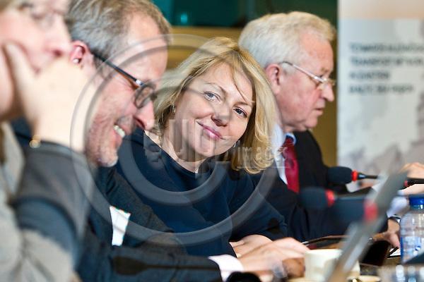 "BRUSSELS - BELGIUM - 09 April 2013 -- Seminar on: ""Towards Corridor Platforms - Case Rail Baltic"". -- Discussion round with MEP's (from left): MEP Eva Lichtenberger (Greens, AT); MEP Roberts Zile (ECR, LV); MEP Vilja Savisaar-Toomast (ALDE, EE); Boguslaw Liberadzki (S&D, PL). -- PHOTO: Juha ROININEN /  EUP-IMAGES"