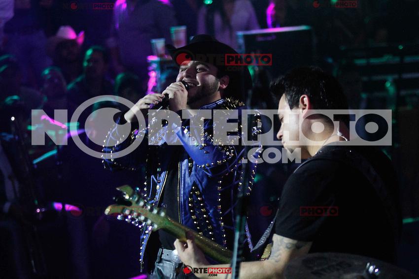 Gerardo Ortiz durante su concierto en el Palenque de la Feria Expo Ganadera de Sonora. Hermosillo Mexico a 1 Mayo l, 2014.