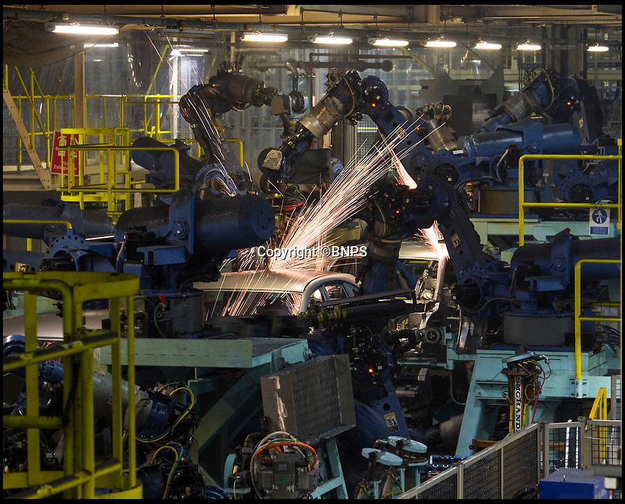 BNPS.co.uk (01202 558833)<br /> Pic: PhilYeomans/BNPS<br /> <br /> The Honda production line in Swindon in Wiltshire in 2016.<br /> <br /> Japanese car maker Honda is set to close its Swindon factory in 2022, putting 3,500 jobs at risk, it was claimed today.  <br /> <br /> Honda, Britain's fifth largest car producer, will announce the closure of its Wiltshire plant tomorrow according to Sky News.   <br /> <br /> The Swindon Honda branch employs 3,500 workers and is currently the firm's only factory inside the EU.