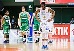 S&ouml;dert&auml;lje 2015-04-19 Basket SM-Final 1 S&ouml;dert&auml;lje Kings - Uppsala Basket :  <br /> Uppsalas  Dwight Anthony Burke deppar under matchen mellan S&ouml;dert&auml;lje Kings och Uppsala Basket <br /> (Foto: Kenta J&ouml;nsson) Nyckelord:  S&ouml;dert&auml;lje Kings SBBK T&auml;ljehallen Basketligan SM SM-Final Final Uppsala Basket depp besviken besvikelse sorg ledsen deppig nedst&auml;md uppgiven sad disappointment disappointed dejected