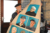 CULTUUR: GOINGARIJP: 04-05-2015, Fok SKS Skûtsjes en portretten van de schippers geschilderd door oud skûtsjeschipper Anne Tjerkstra, ©foto Martin de Jong