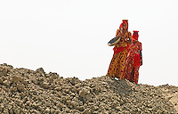 Women in the Thar desert, Rajasthan, India