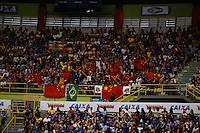 SAO PAULO, SP, 03.05.2015 - WORLD CHALLENGE CUP BRAZIL - A torcida chinesa faz festa   durante a final Copa do Mundo de Ginástica Artística no Ginásio do Ibirapuera na região sul de São Paulo, neste domingo (03). (Foto: Adriana Spaca / Brazil Photo Press)