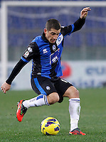 Calcio, ottavi di finale di Coppa Italia: Roma vs Atalanta. Roma, stadio Olimpico, 11 dicembre 2012..Atalanta midfielder Carlos Carmona, of Chile, in action during their Italy Cup last-16 tie football match between AS Roma and Atalanta at Rome's Olympic stadium, 11 December 2012..UPDATE IMAGES PRESS/Isabella Bonotto