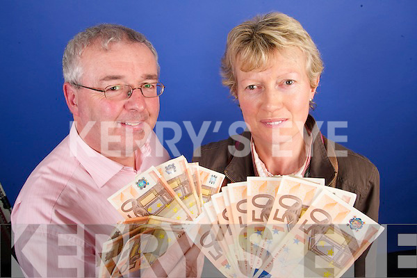 Con Dennehy and Pauline OCallaghan from.Castleisland is 1,000 better.off this week after becoming.the latest winner in our big.cash giveaway. Shes planning.a New Year getaway.with hubbie George with her.winnings. What a great way.to start 2007, a delighted.Pauline said..KERRYS EYE - MADE IN KERRY.