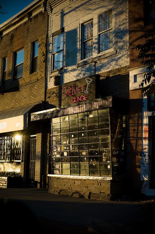 ©2011 David Burnett/.703 626 1696.Take 2.JBG photographic project.Washington DC.U Street corridor.Swann St; Riggs Place; 14th & T from elevated position