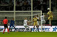 MANIZALES - COLOMBIA, 10-02-2020: David Gomez de Once disputa el balón con Jeisson Quiñones de Rionegro durante partido por la fecha 4 de la Liga BetPlay DIMAYOR I 2020 entre Once Caldas y Rionegro Águilas jugado en el estadio Palogrande de la ciudad de Manizalez. / David Gomez of Once fights for the ball with Jeisson Quiñones of Rionegro during match for the date 4 as part of BetPlay DIMAYOR League I 2020 between Once Caldas and Rionegro Aguilas played at the Palogrande stadium in Manizales city. Photo: VizzorImage / Santiago Osorio / Cont