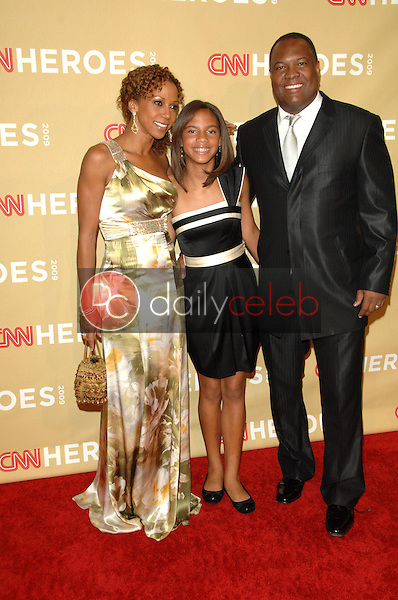"""Holly Robinson Peete, Rodney Peete and children<br /> at the """"CNN Heroes: An All-Star Tribute,"""" Kodak Theater, Hollywood, CA. 11-21-09<br /> David Edwards/DailyCeleb.Com 818-249-4998"""
