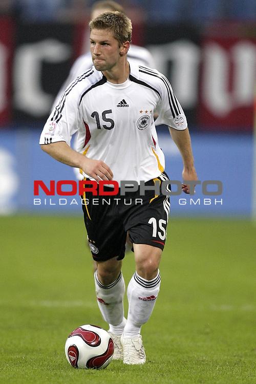 Qualifikation  EM 2007 Gruppe: D<br /> <br /> Deutschland (GER) - Slowakei ( SVK ) 2:1<br /> <br /> Thomas Hitzlsperger<br />  <br /> Foto &copy; nordphoto <br /> <br /> <br /> <br />  *** Local Caption ***