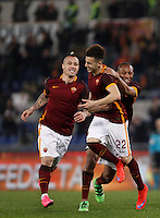 Calcio, Serie A: Roma vs Frosinone. Roma, stadio Olimpico, 30 gennaio 2016.<br /> Roma&rsquo;s Stephan El Shaarawy, center, celebrates with teammates Seydou Keita, right, and Radja Nainggolan, after scoring during the Italian Serie A football match between Roma and Frosinone at Rome's Olympic stadium, 30 January 2016.<br /> UPDATE IMAGES PRESS/Isabella Bonotto