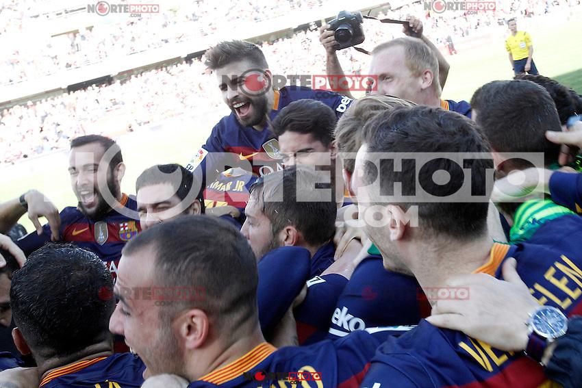 FC Barcelona's players celebrate the victory in La Liga 2015/2016. May 14,2016. (ALTERPHOTOS/Acero) /NortePhoto.com