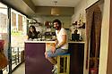 Turkey 2014   Young people in a snack bar of Diyarbakir<br /> Turquie 2014  Jeunes gens, un homme et une femme, dans un caf&eacute; de Diyarbakir<br /> تورکیا سالی 2014 , جحیلانی دیاربه کر, ژن و پیاوک له کافه یه ک دان