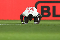 23rd November 2019; Selhurst Park, London, England; English Premier League Football, Crystal Palace versus Liverpool; Sadio Mane of Liverpool celebrates his goal for 0-1 in the 49th minute - Strictly Editorial Use Only. No use with unauthorized audio, video, data, fixture lists, club/league logos or 'live' services. Online in-match use limited to 120 images, no video emulation. No use in betting, games or single club/league/player publications